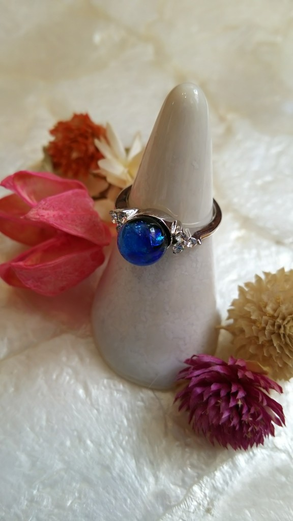 ホタルがらすの指輪