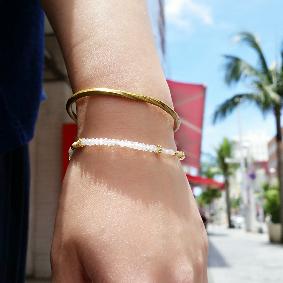 沖縄 国際通り 青空 真鍮アクセサリー シンプル ハンドメイドブレスレット