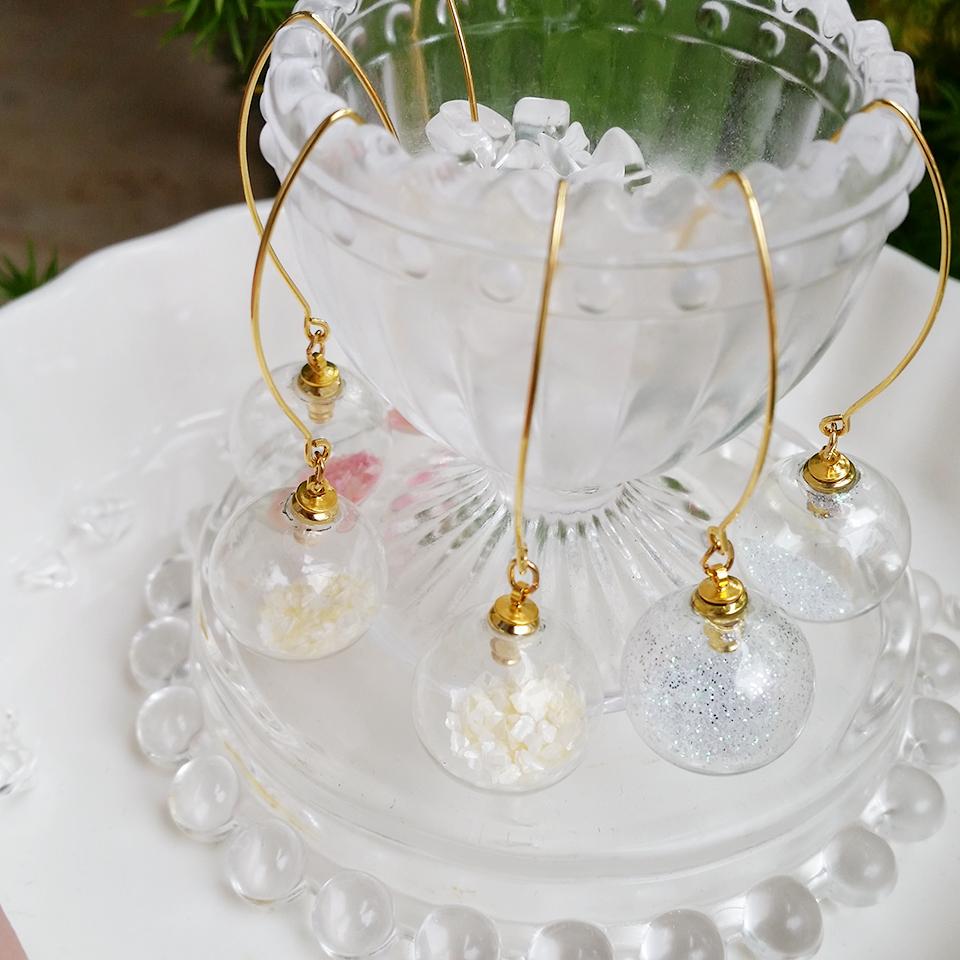 ガラスドーム ピアス 沖縄 ハンドメイド ラメパウダー フレークシェル ホワイト ピンク