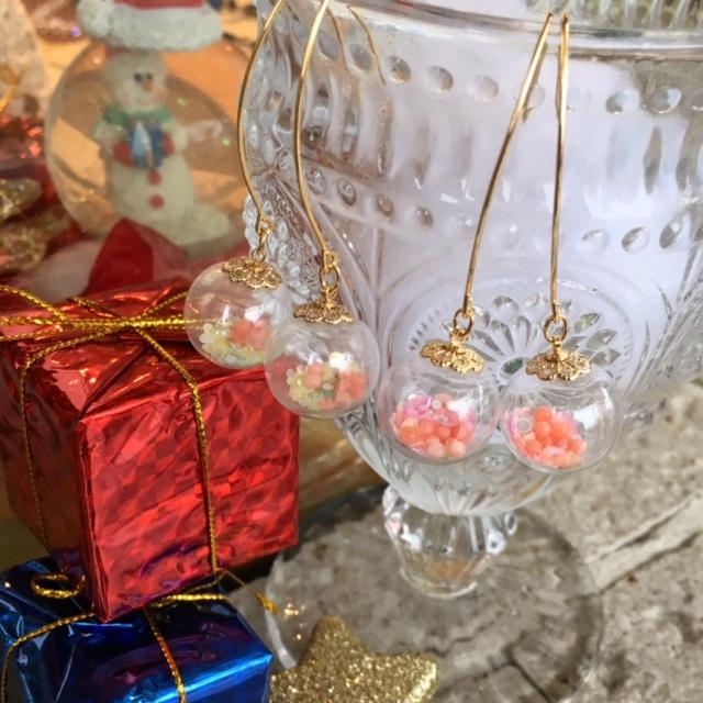 ガラスドームピアス ガラスドーム サンゴ ピンクサンゴ ホログラム サンゴピアス